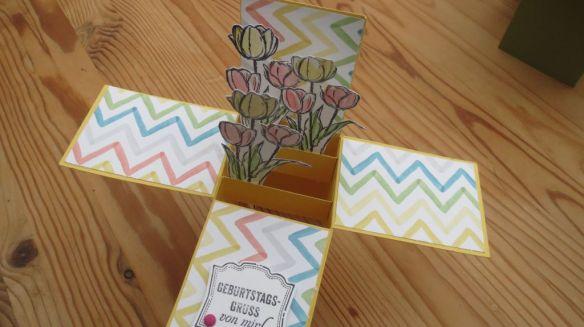 Tulip Explosion card